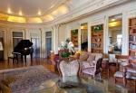 Glorietta Bay Inn Music Salon