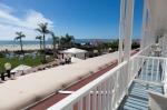 Hotel Del patio overlooking ocean